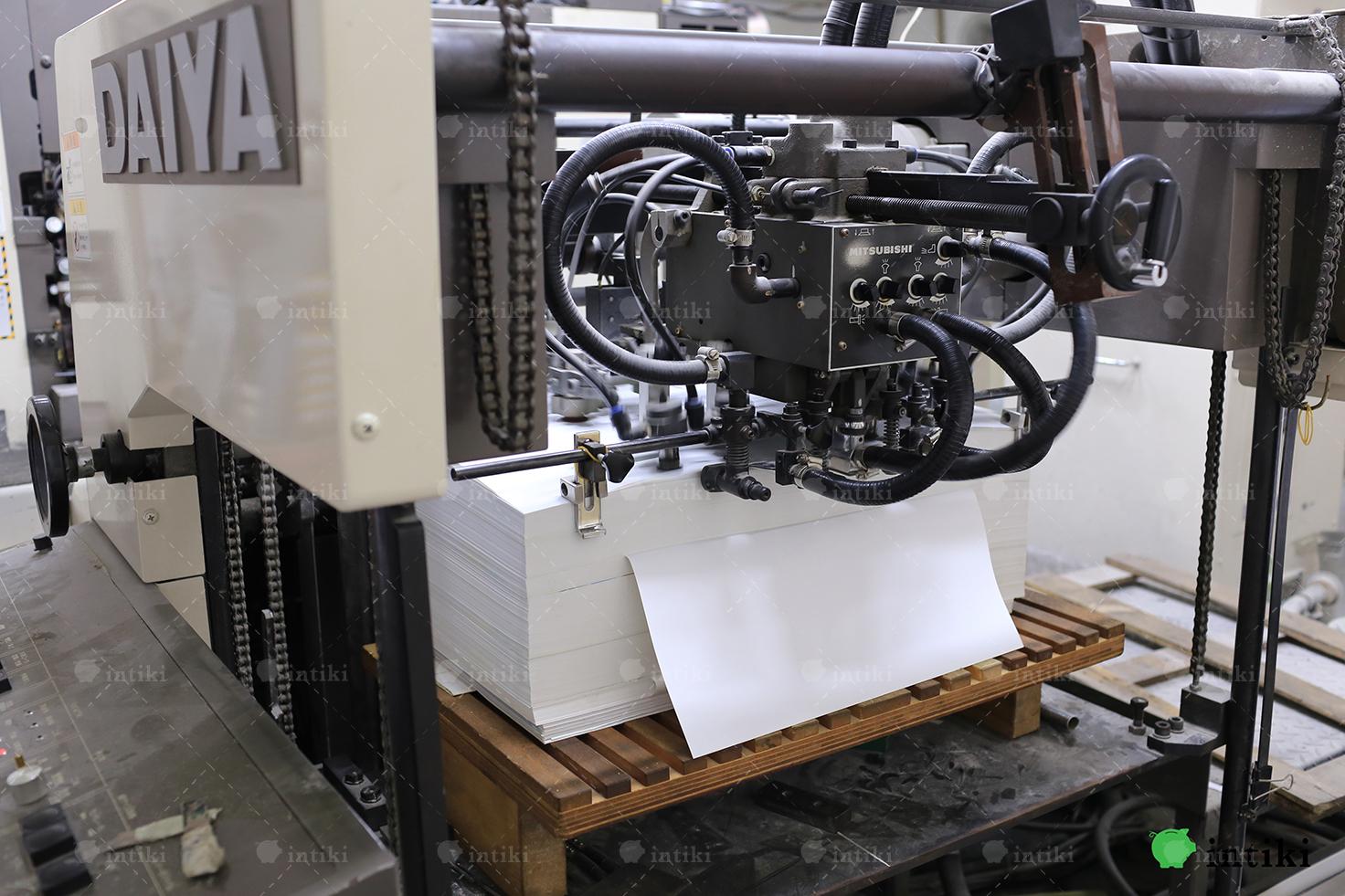 dau ra may in offset - Cùng tìm hiểu về dịch vụ in ấn với công nghệ in offset