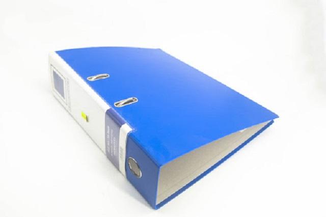 Loại file kẹp tài liệu càng cua rất phổ biến tại các văn phòng, công sở